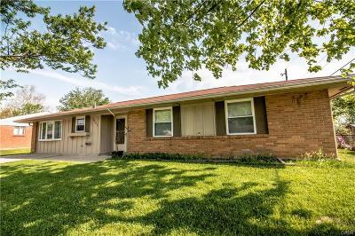 Huber Heights Single Family Home For Sale: 7241 Serpentine Drive
