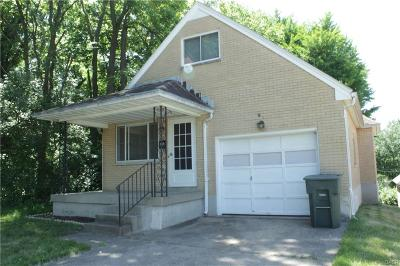 Dayton Single Family Home For Sale: 859 Kolping Avenue