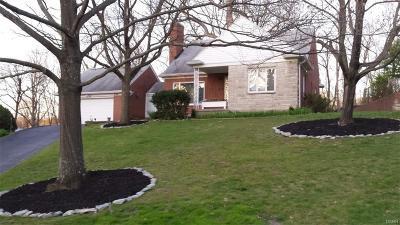 Oakwood Single Family Home For Sale: 230 Acorn Drive