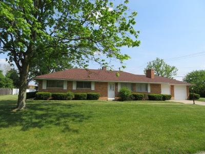 Dayton Single Family Home For Sale: 9 Shadybrook Drive