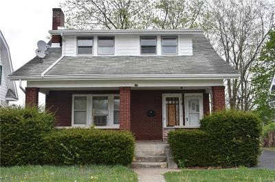 Dayton Single Family Home For Sale: 30 Willowwood Drive