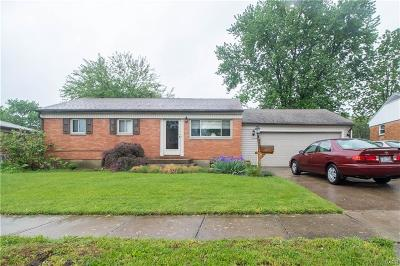 Dayton Single Family Home For Sale: 1498 Cobblestone Street