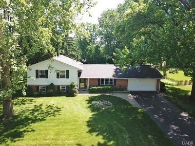Dayton Single Family Home For Sale: 802 Kings Row Avenue