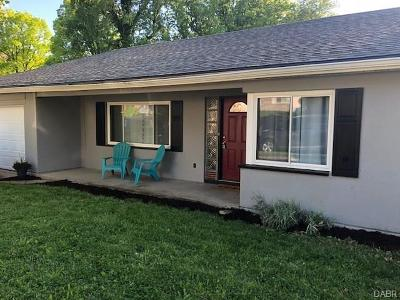 Dayton Single Family Home For Sale: 131 Murray Drive