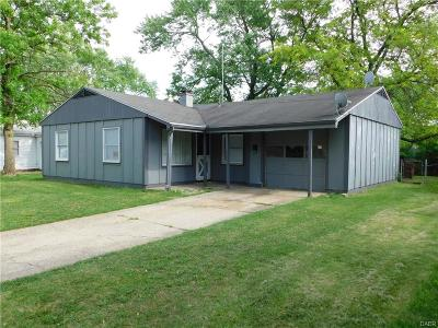 Dayton Single Family Home For Sale: 8534 Beckley