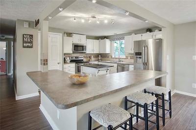 Dayton Single Family Home For Sale: 6059 Pine Glen Lane
