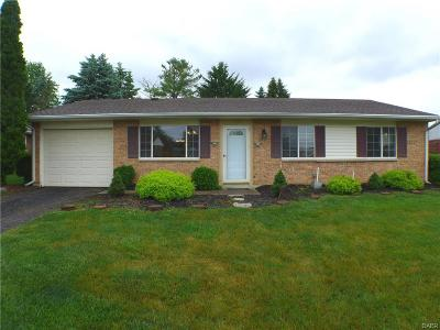 Xenia Single Family Home Active/Pending: 1308 Massachusetts Drive