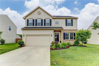 Fairborn Single Family Home Active/Pending: 1427 Artesian Lane