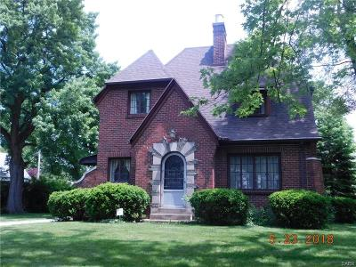 Dayton Single Family Home For Sale: 848 Broadview Boulevard