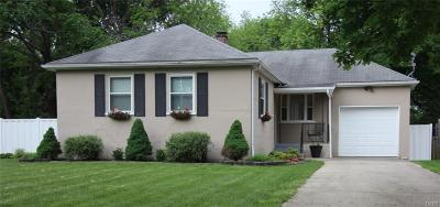 Dayton Single Family Home For Sale: 159 Prospect Avenue