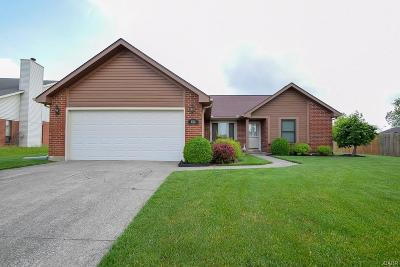 Huber Heights Single Family Home For Sale: 6581 Deer Meadows Drive