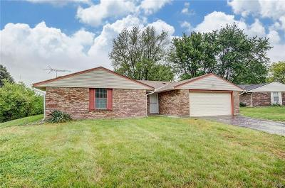 Huber Heights Single Family Home For Sale: 7651 Blossomview Court