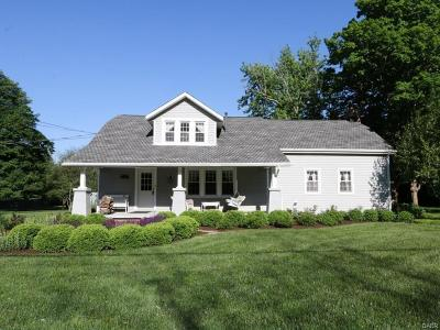 Dayton Single Family Home For Sale: 6945 Peters Pike