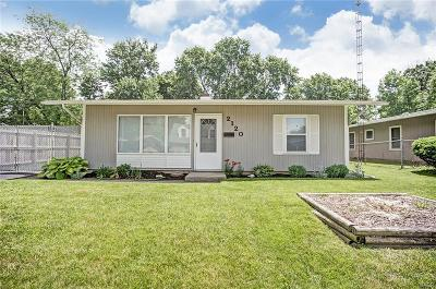 Kettering Single Family Home Active/Pending: 2120 Colton Drive
