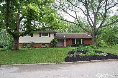 Kettering Single Family Home For Sale: 547 Elderwood Road