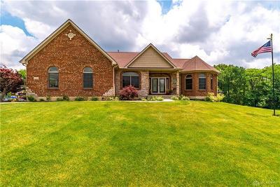 Xenia Single Family Home For Sale: 608 Alexandra Lane