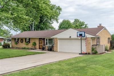 Xenia Single Family Home Active/Pending: 950 Valley Dale Drive