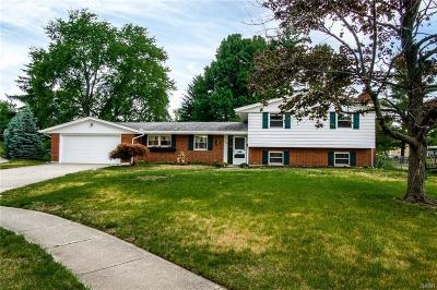 Fairborn Single Family Home For Sale: 1323 Merribrook Court