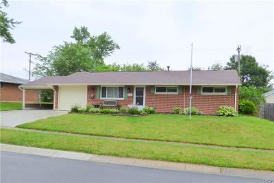 Huber Heights Single Family Home Active/Pending: 7606 Blackshear Drive
