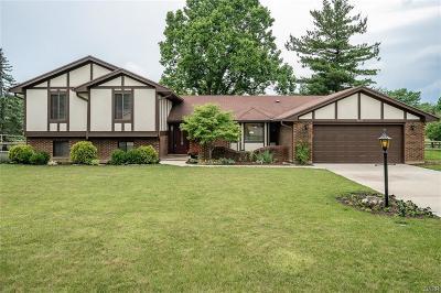 Beavercreek Single Family Home Active/Pending: 2429 Old Oaks Drive