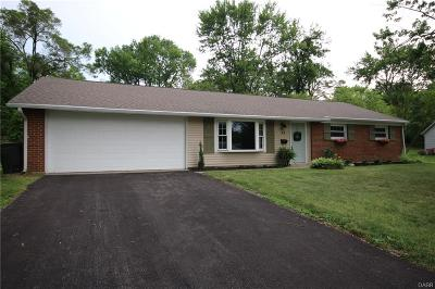 Dayton Single Family Home Active/Pending: 35 Benzell Drive