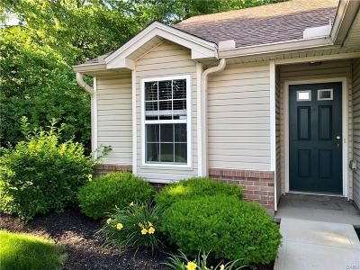 Dayton Condo/Townhouse For Sale: 4177 Vitek Drive