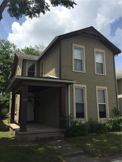 Dayton Single Family Home For Sale: 125 Terry Street