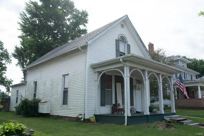Single Family Home For Sale: 32 Chillicothe Street