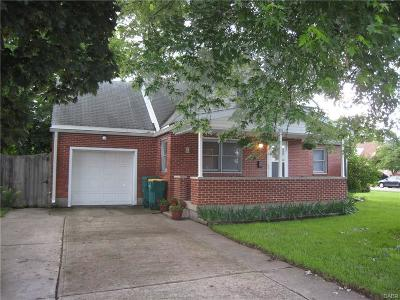 Fairborn Single Family Home For Sale: 821 Swigart Drive