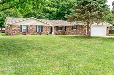 Beavercreek Single Family Home Active/Pending: 2410 Old Oaks Drive