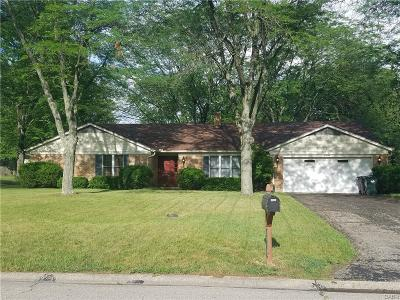 Dayton Single Family Home For Sale: 6910 Eastpoint Court