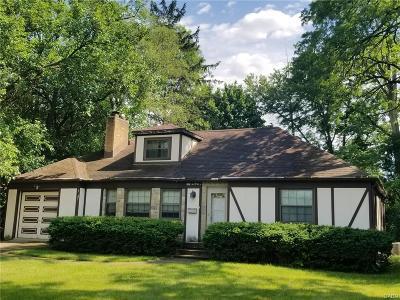 Dayton Single Family Home For Sale: 5204 Burkhardt Road