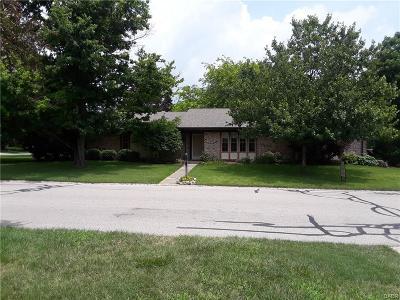 Xenia Single Family Home For Sale: 940 Amlin Drive