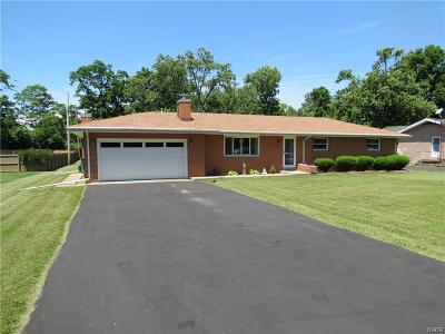 Beavercreek Single Family Home Active/Pending: 2275 Rustic View Drive