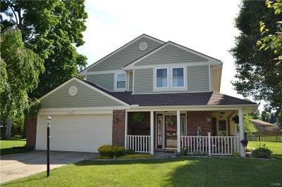 Huber Heights Single Family Home For Sale: 8965 Oakgate Court