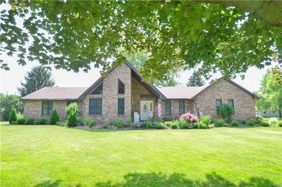 Urbana Single Family Home For Sale: 369 Camelot Drive