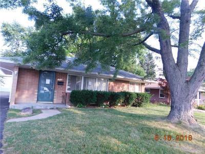 Dayton Single Family Home For Sale: 3899 Kingswood Drive