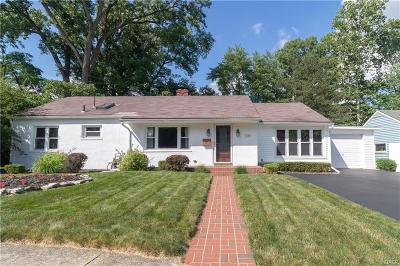 Troy Single Family Home Active/Pending: 1285 York Lane