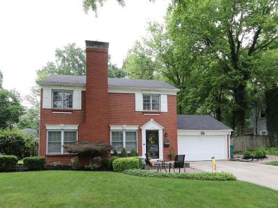 Kettering Single Family Home For Sale: 165 Winding Way