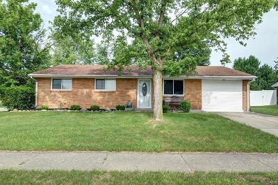 Huber Heights Single Family Home For Sale: 7261 Cedar Knolls Drive