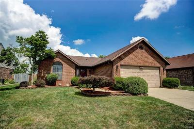 Huber Heights Single Family Home For Sale: 6417 Prairie Creek Court