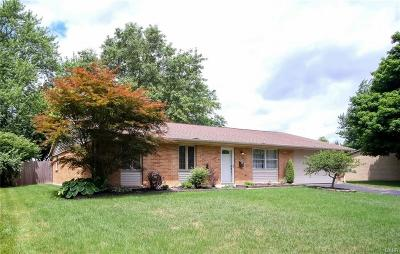 Dayton Single Family Home For Sale: 304 Waterford Drive