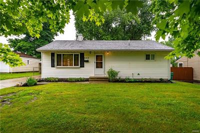 Kettering Single Family Home For Sale: 2213 Vale Drive