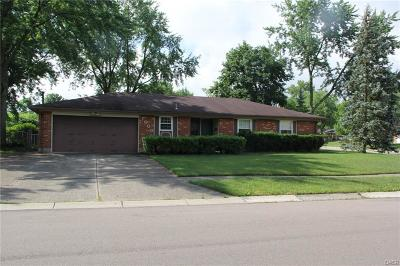Huber Heights Single Family Home For Sale: 7000 Summerdale Drive