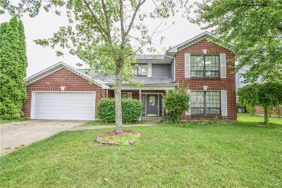 Huber Heights Single Family Home For Sale: 6951 Deer Bluff Drive