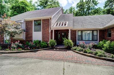 Kettering Single Family Home For Sale: 4959 Walnut Walk