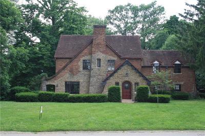 Dayton Single Family Home For Sale: 500 Canterbury Drive