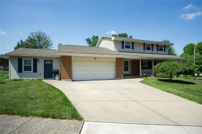 Miamisburg Single Family Home For Sale: 725 Fountain Abbey Place