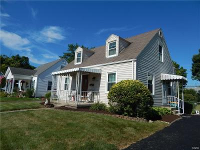 Kettering Single Family Home Active/Pending: 1807 Rainbow Drive
