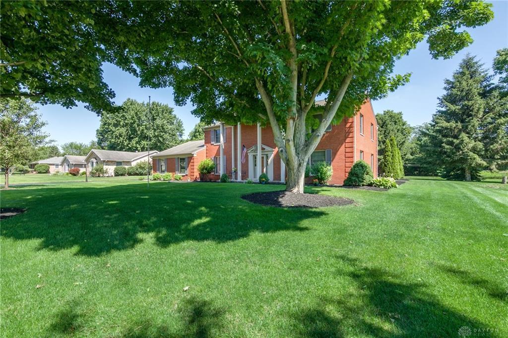 655 Garden Place, Troy, OH.| MLS# 768475 | Douglas Harman | 937-623 ...